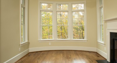 Curved walls with accenting trim