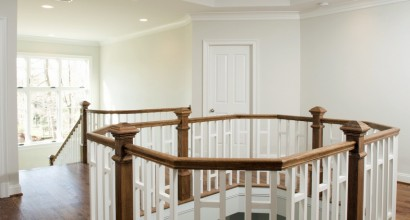 Upstairs Ceiling and View-Port Railing Design